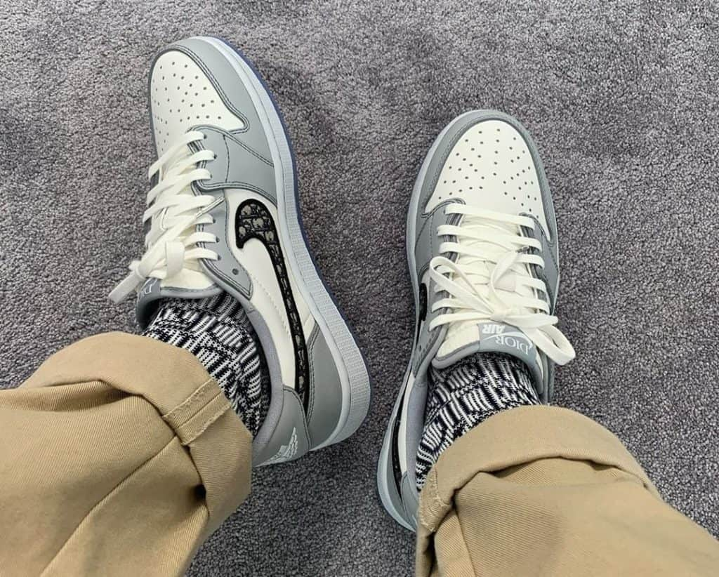 Dior Air Jordan 1 Low On Foot